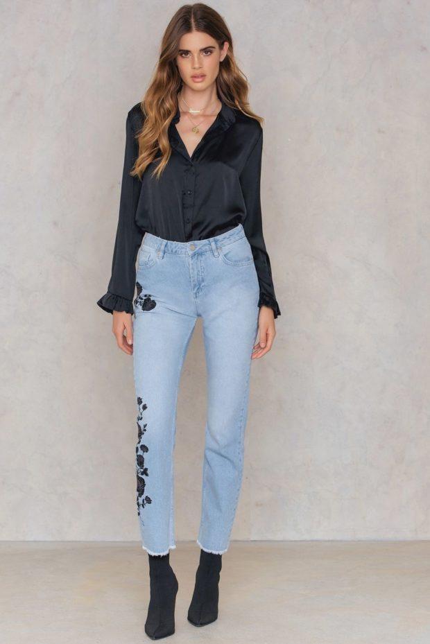 с чем носить джинсы с вышивкой