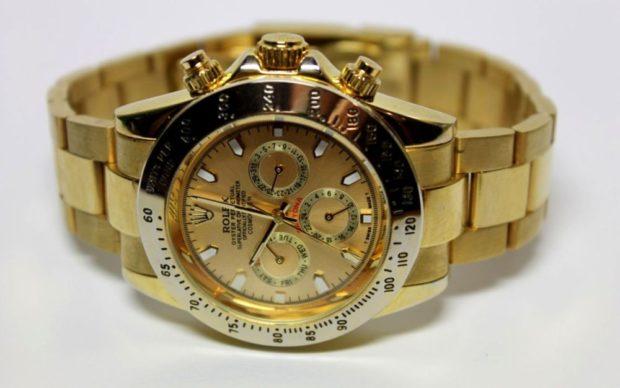 модные женские часы: золотые браслет металл