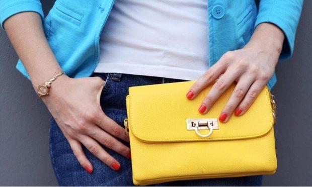 модные женские часы: золотые миниатюрные