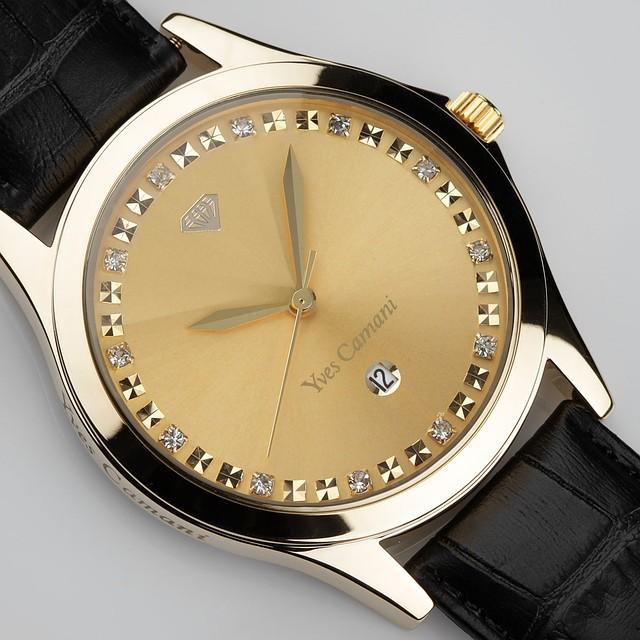 Классические женские часы золотой циферблат