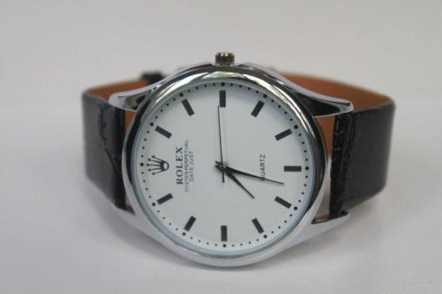 классические женские часы черный ремень