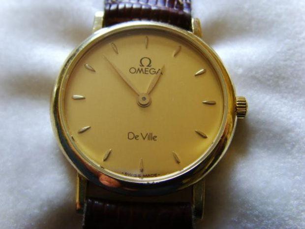 Классические женские часы коричневый ремешок золотой циферблат