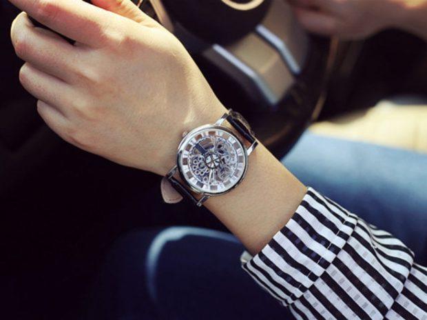 модные женские часы: унисекс прозрачные