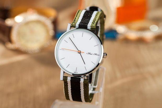 модные женские часы: унисекс без цифр ремень тканевый