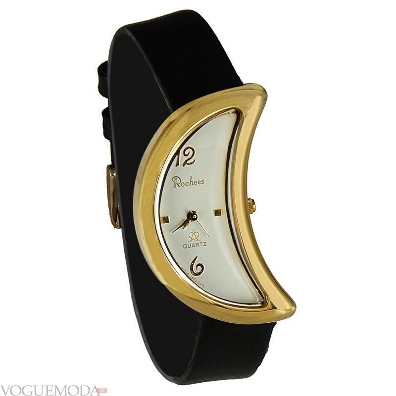 часы с циферблатом формой месяца и черным каучуковым ремешком