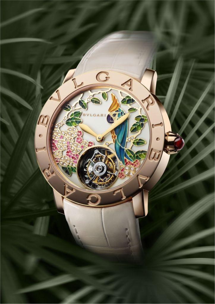 часы с круглым циферблатом с цветочками и белым кожанным