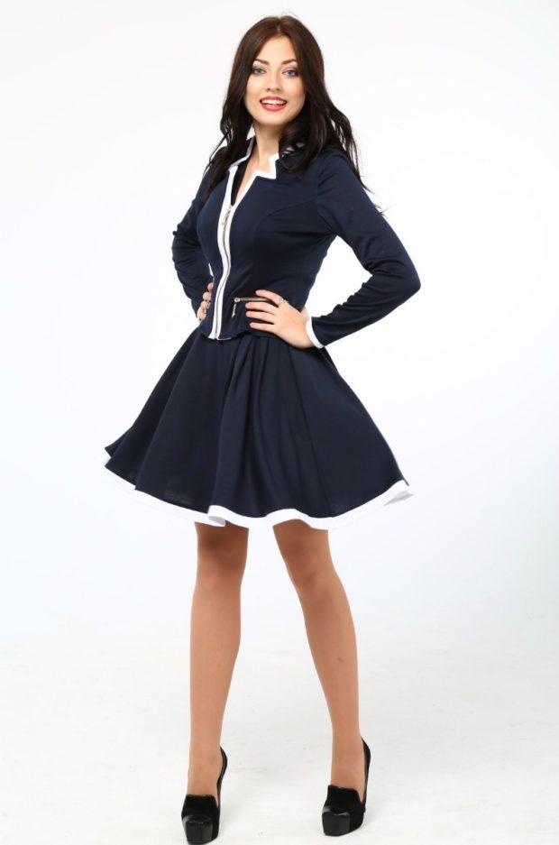Женские костюмы 2019-2020: юбка солнце пиджак синий с белым