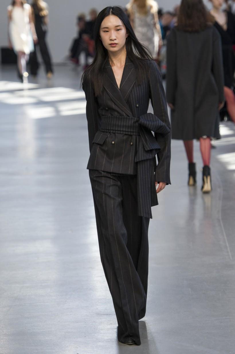 костюм брюки пиджак черный в полоску