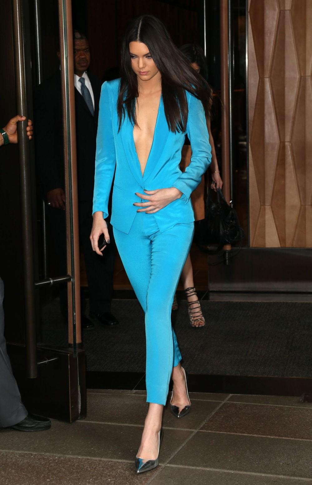 костюм голубой пиджак брюки на вечер