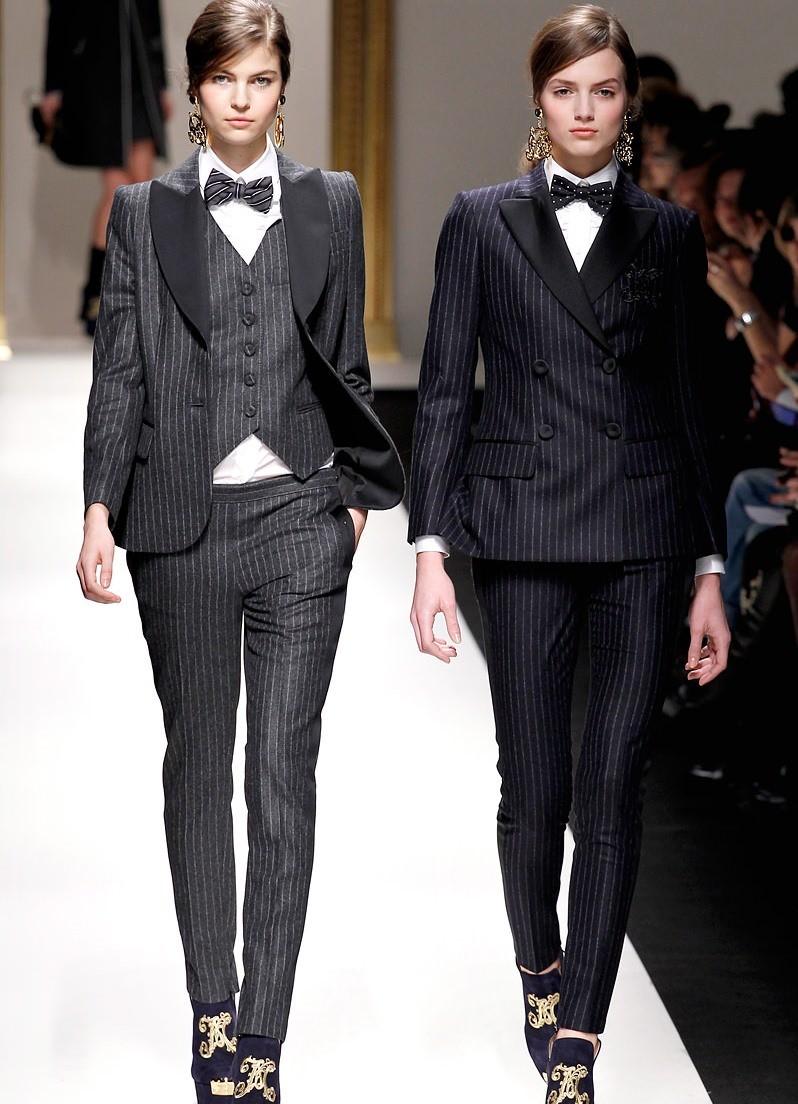 костюм под мужской тройка серый в полоску черный в полоску