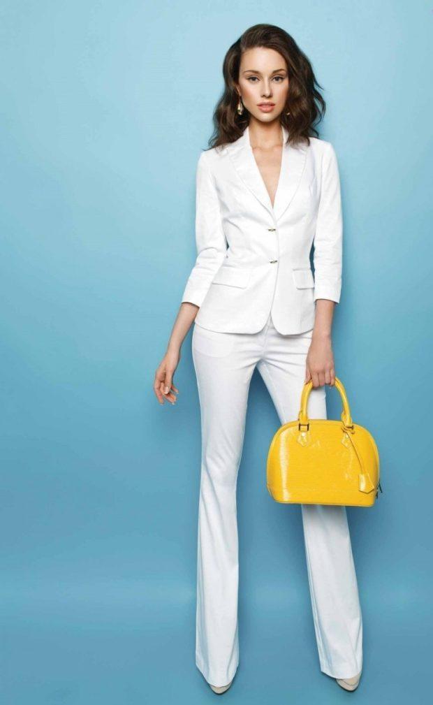 Женские костюмы 2019-2020: пиджак брюки белый