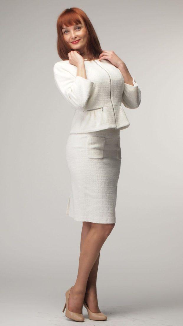 костюм пиджак с баской юбка белый