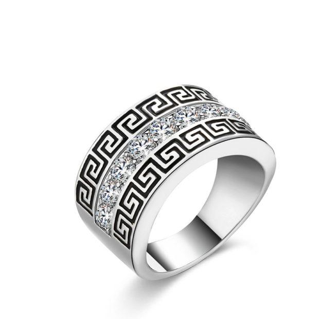 как правильно носить перстень мужчине: серебристый с орнаментом