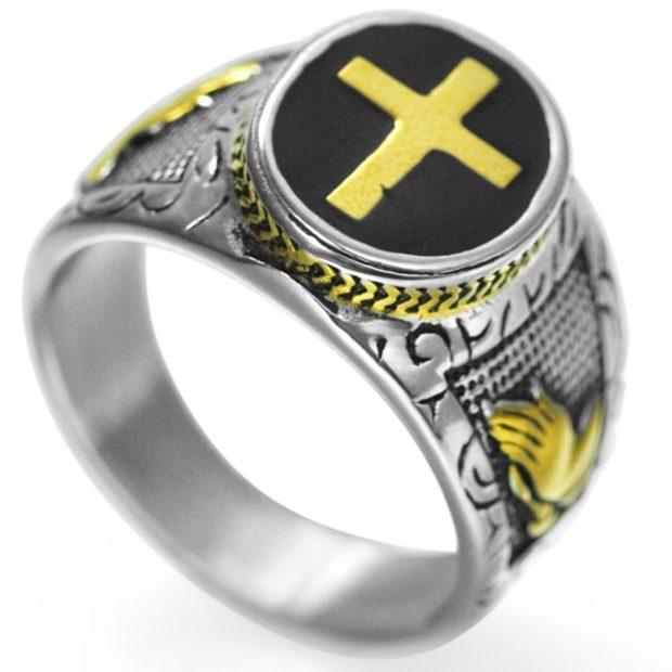 как правильно носить перстень мужчине: серебристый с камнем и крестом