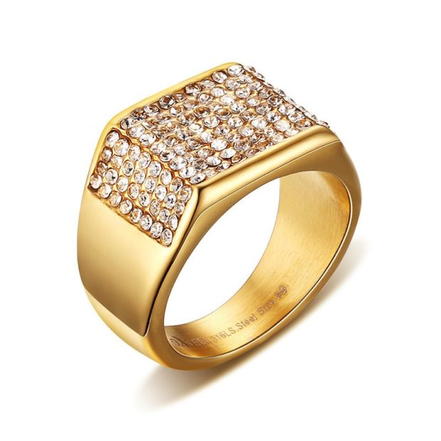как носить кольца на пальцах мужчине: золотой с россыпью камней