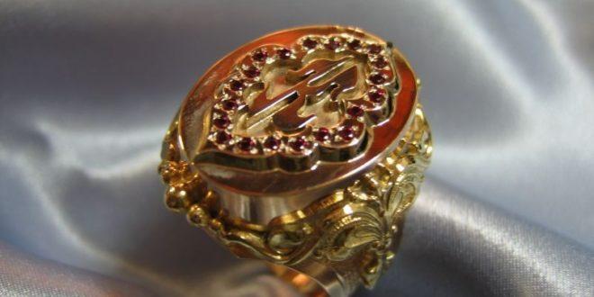 Как носить перстень мужчине. На каком пальце и руке нужно носить.