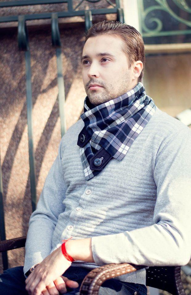 шарф-платок синий с белым клетка