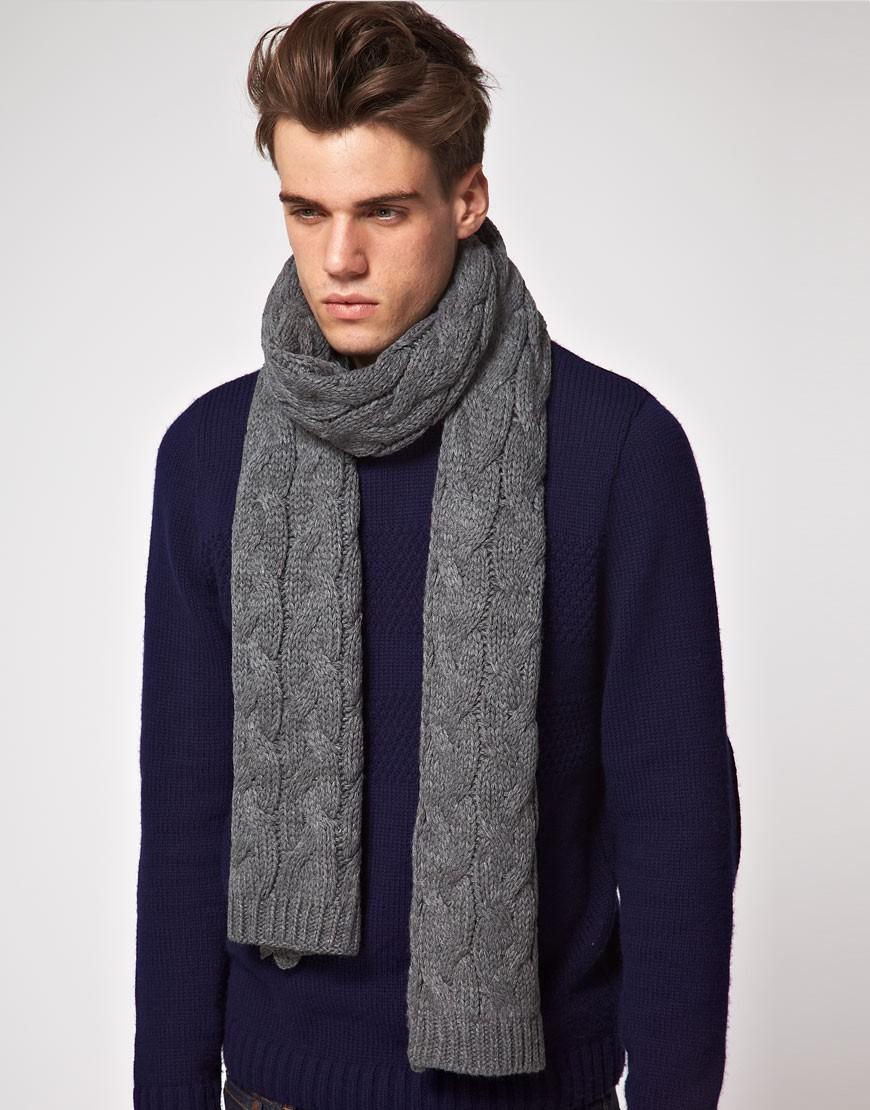 вязанный шарф серый в узор