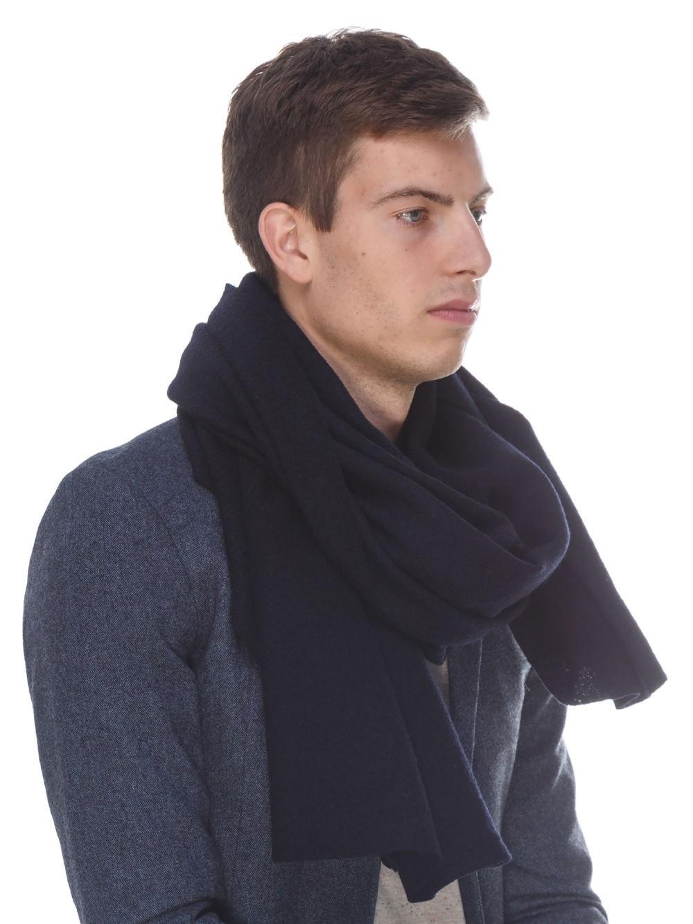 объемный черный шарф мужской