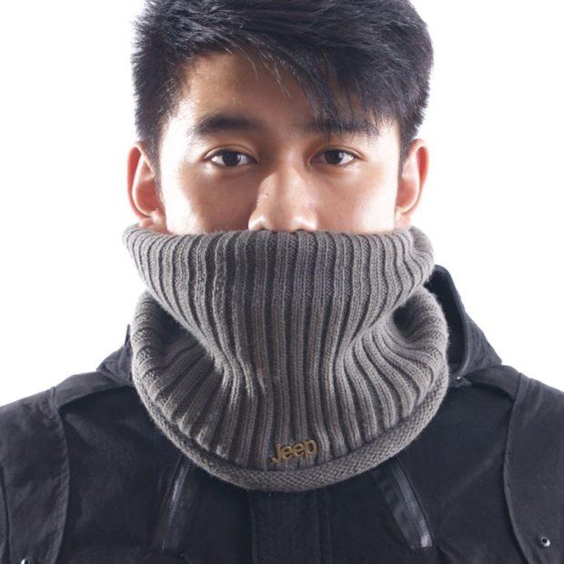 как носить шарфы мужчине серый вязка-резинка