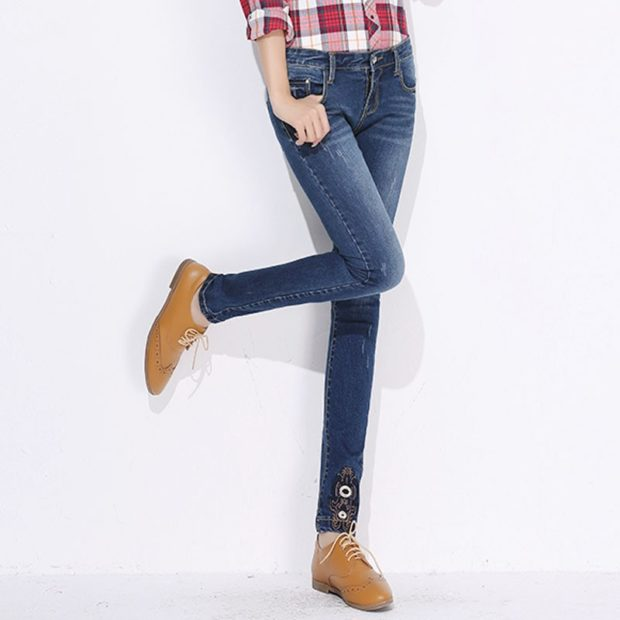 какие джинсы в моде в 2018-2019 женские: синие официальные прямые