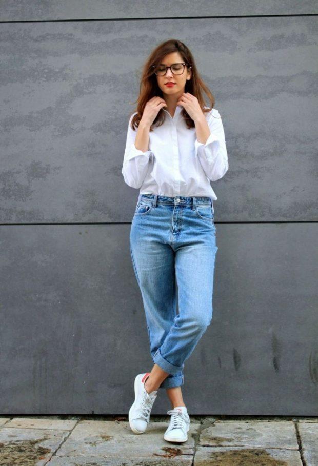 какие женские джинсы в моде: бойфренды с подворотом голубые