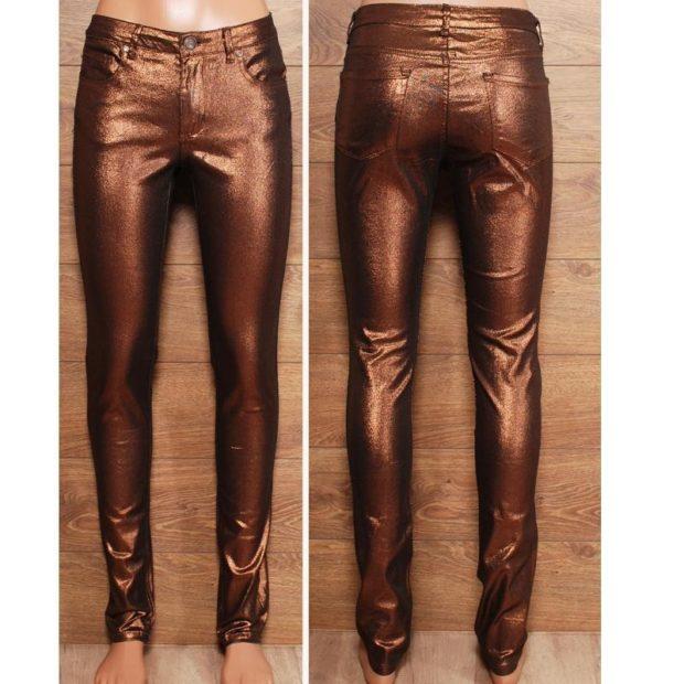 какие джинсы в моде в 2018-2019 женские: металлик медные
