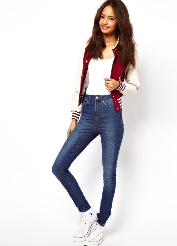 какие джинсы в моде: завышенная талия синие