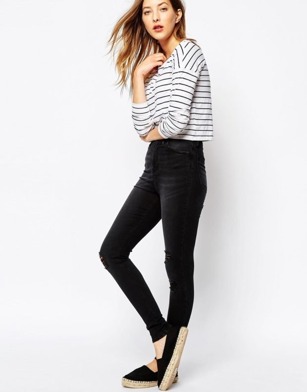 какие джинсы в моде: завышенная талия черные