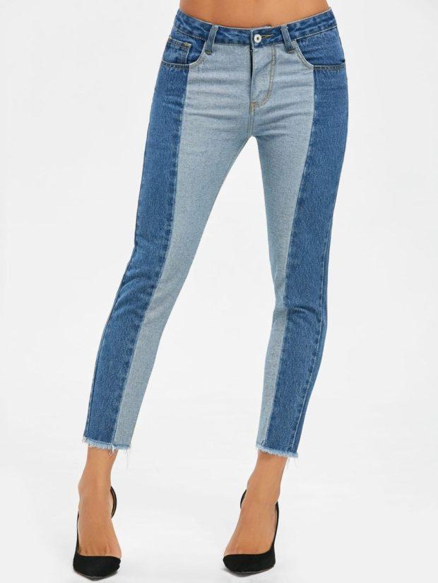 какие джинсы в моде в 2018-2019 женские: Двухцветные короткие синие с голубым