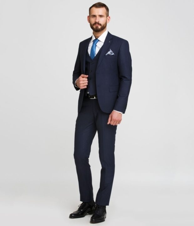 костюм синий тройка