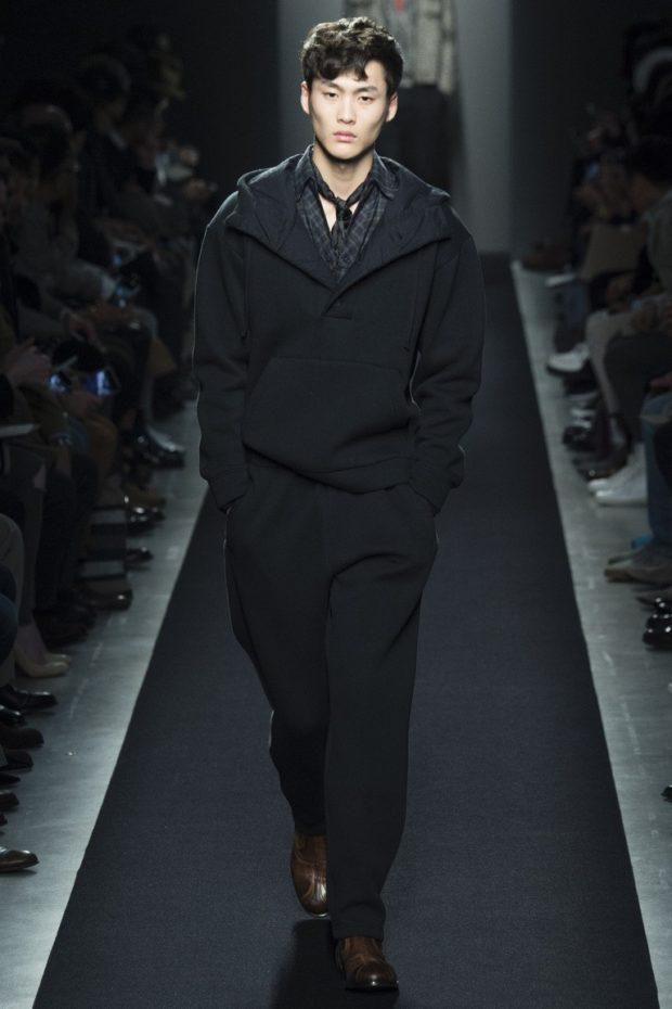 черный костюм заниженный
