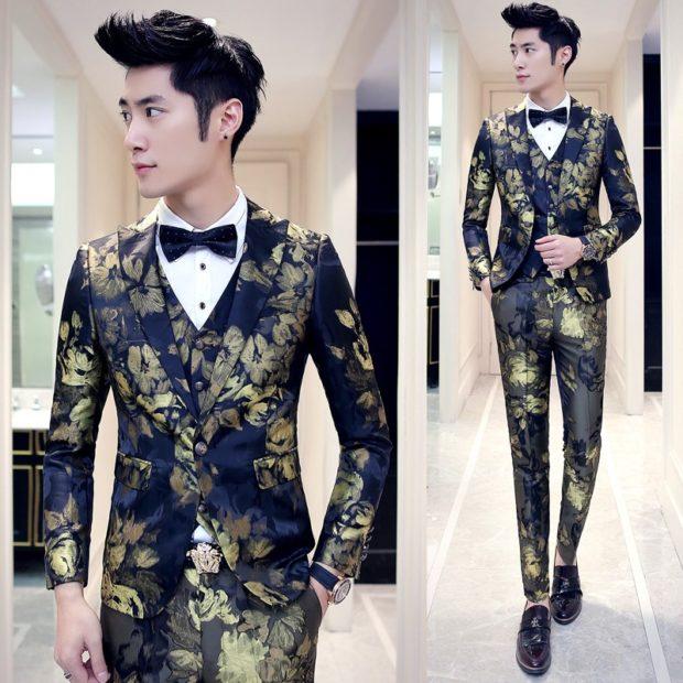 костюм синий цветы золотые