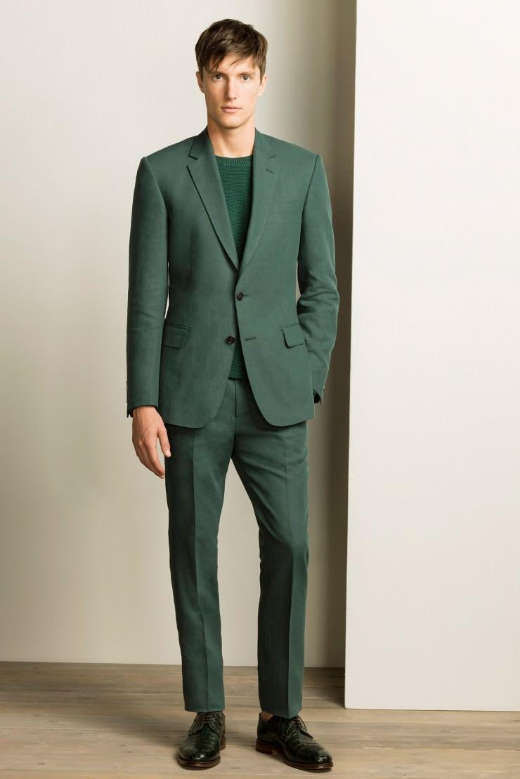 зеленый костюм со стрелками