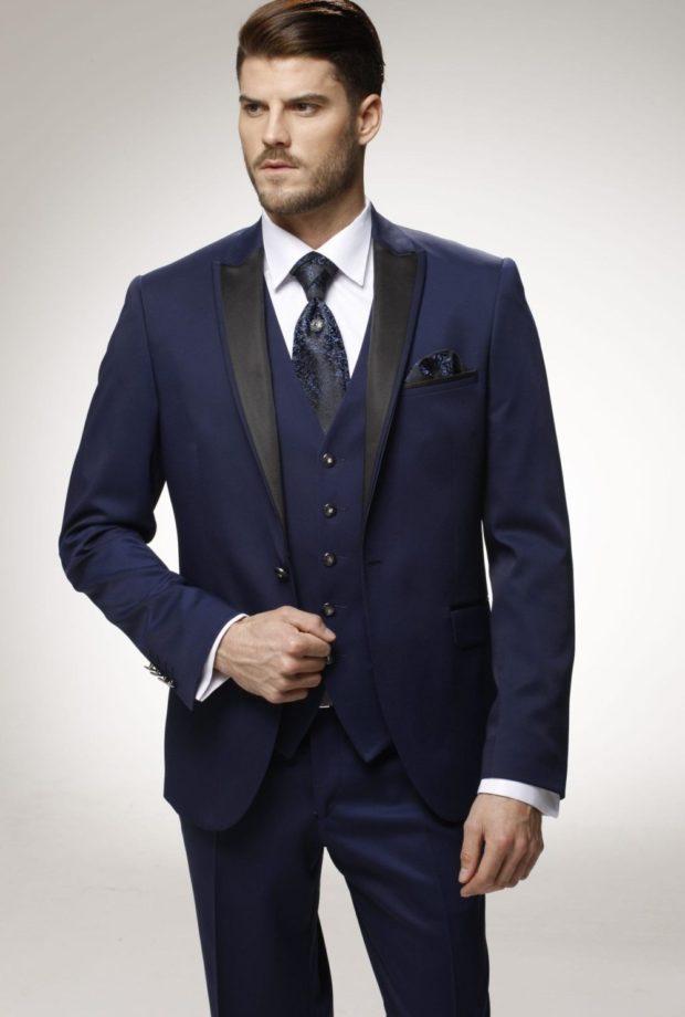 костюм синий темный тройка