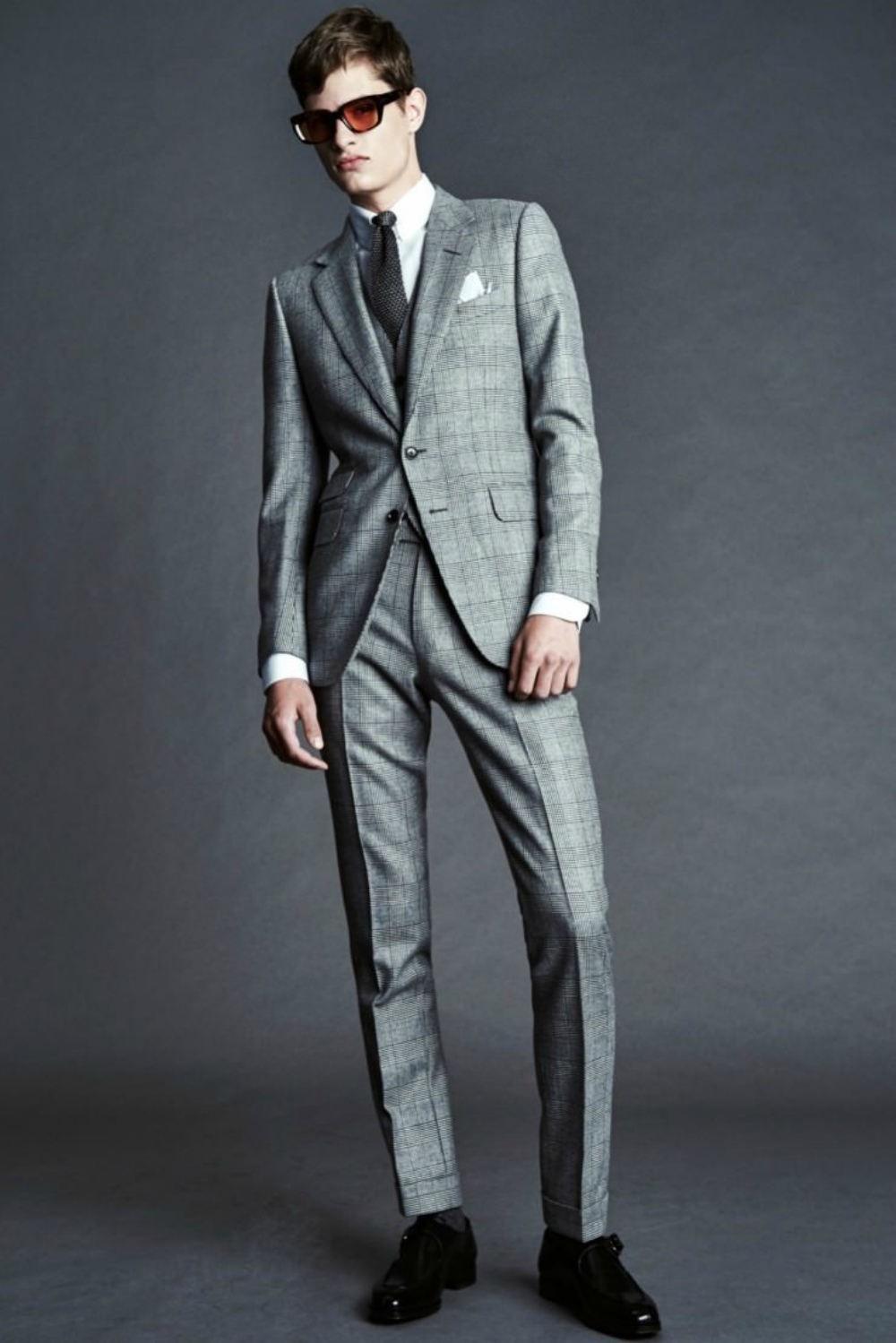 серый костюм классика в клетку