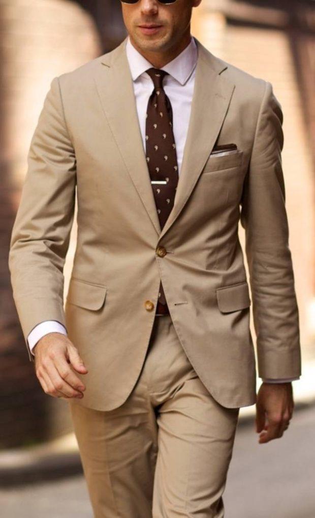 костюм на выпускной для парня 2018-2019: светло-коричневый с галстуком в горох