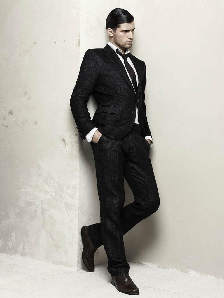 черный классический костюм