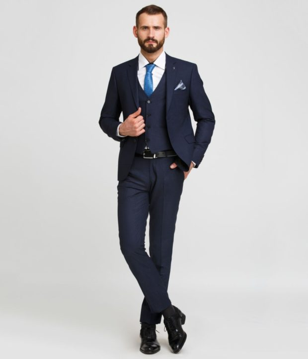 костюм на выпускной для парня 2018-2019: синий тройка в мелкую клетку