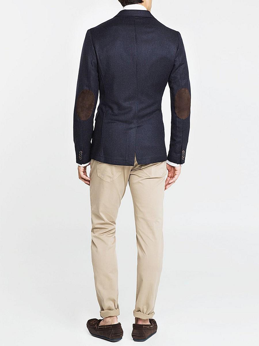 черный пиджак с заплатами брюки белые