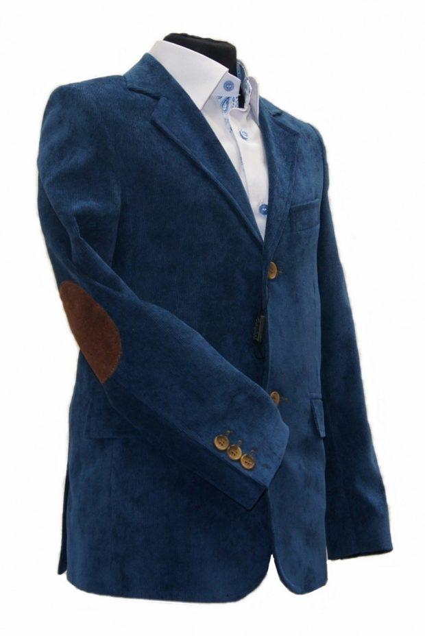 костюм на выпускной для парня 2018-2019: велюровый пиджак с коричневыми заплатами