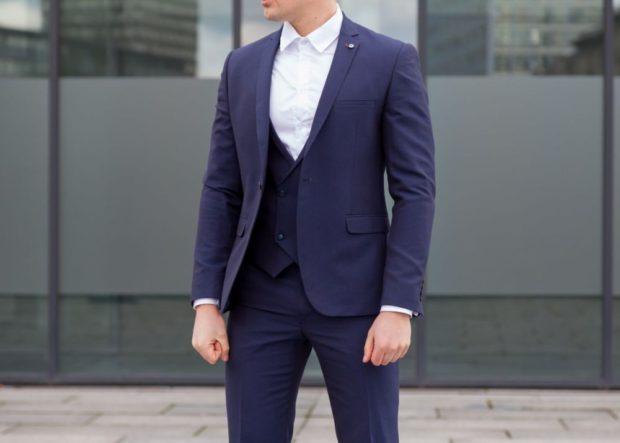 костюм тройка синий