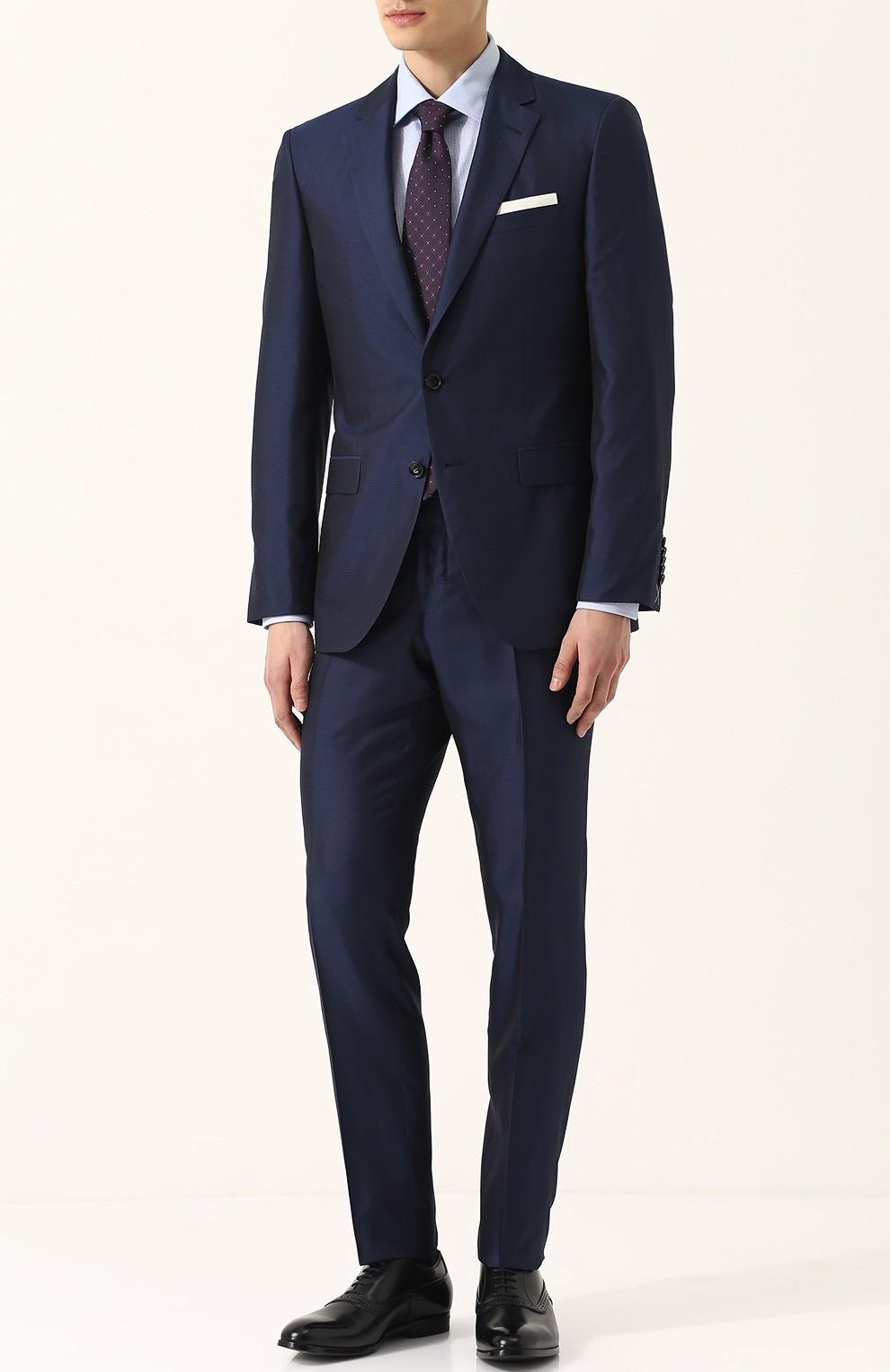 темно-синий костюм классика
