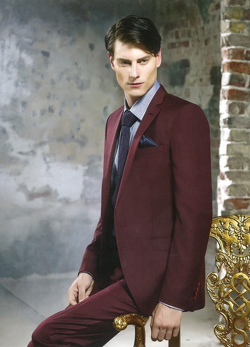 костюм бордовый классика