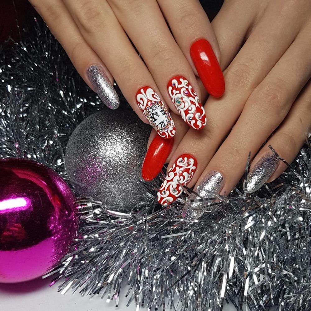удовольствием сделаем красивые на новый год ногти золотое украшение должно
