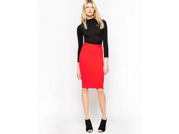 Красная юбка с чем носить: карандаш под черную кофту