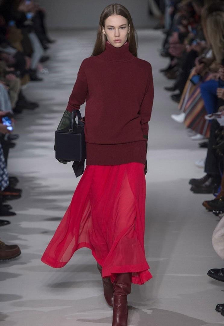 красная юбка шифоновая под свитер оверсайз