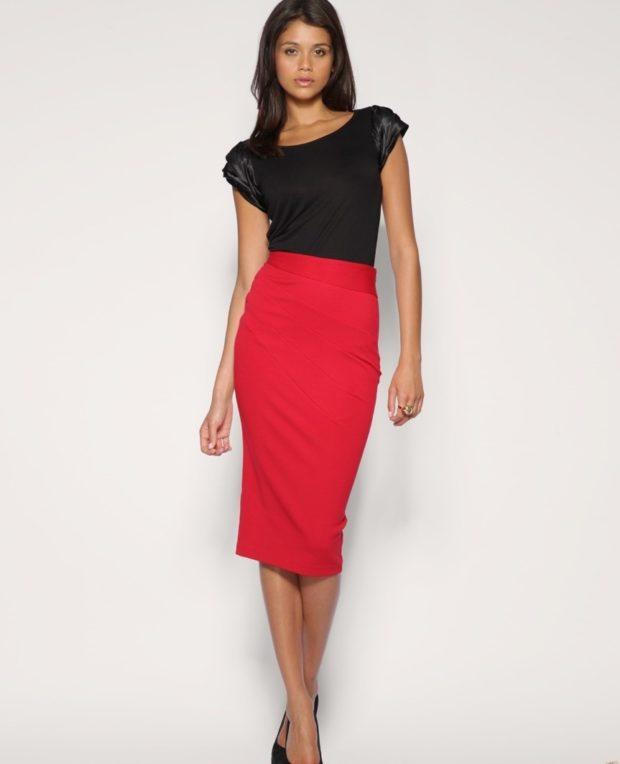 юбка карандаш красная по колено под черную блузку