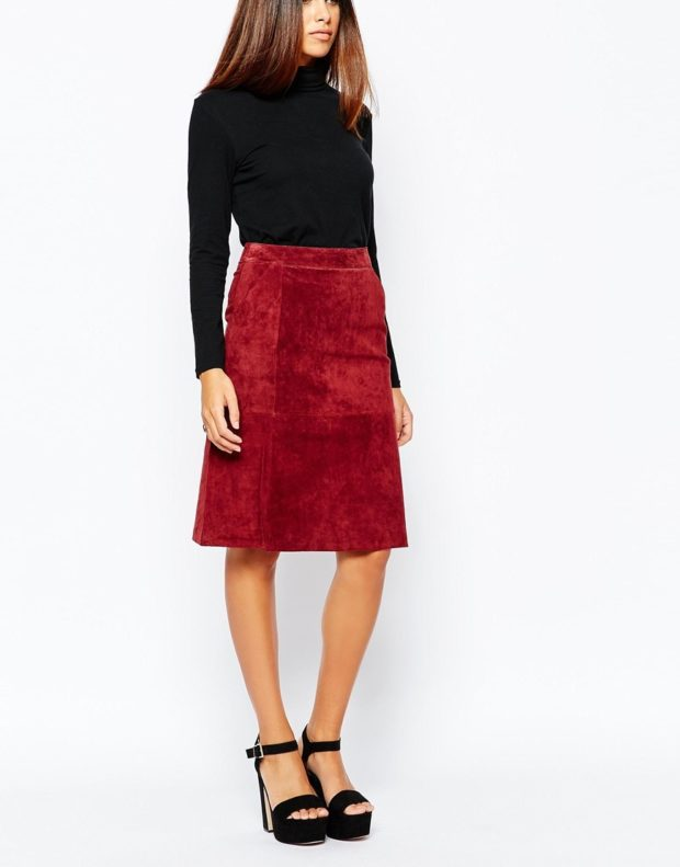 юбка замша красная под черную кофту