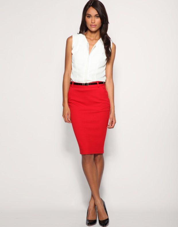 офисная юбка красная под белую блузку